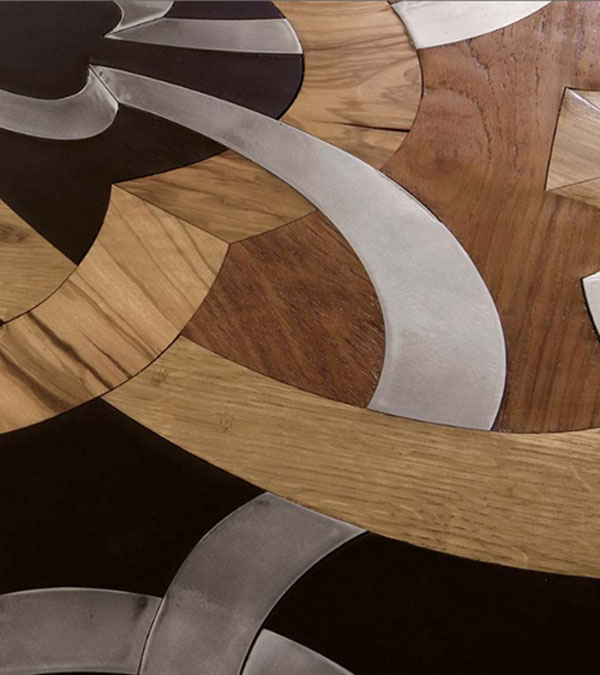 Interesantna kreacija parketa kombinacijom drveta i čelika